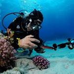 macchina fotografica subacquea rotta